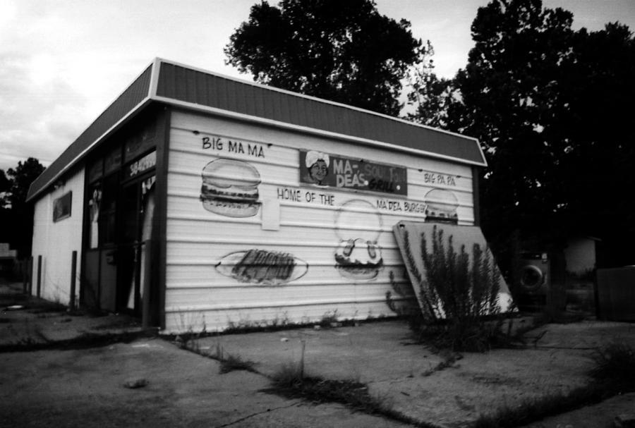 Louisiana Photograph - Madeas Soul Food Grill by Doug Duffey