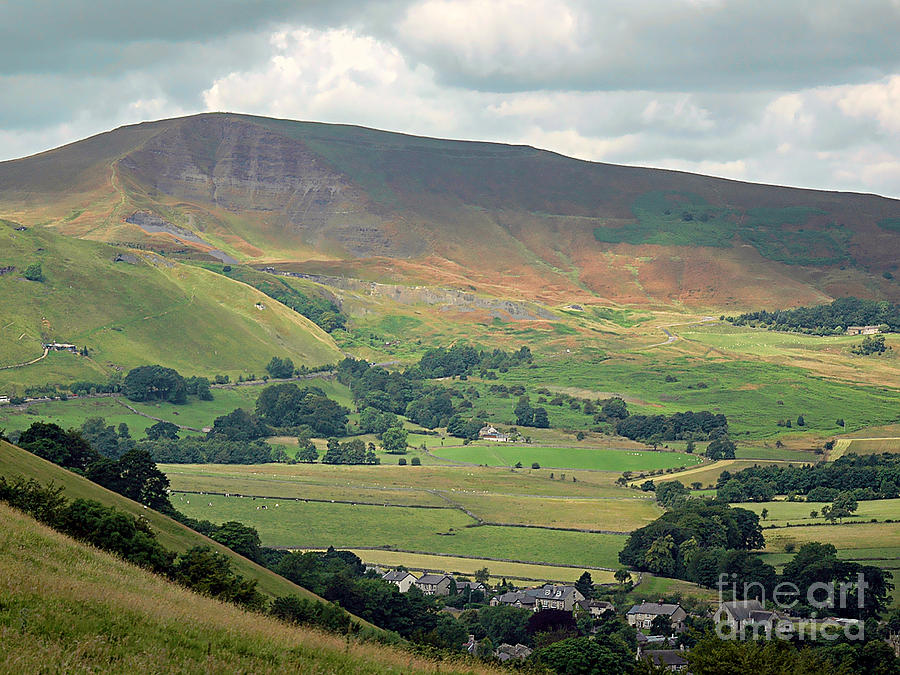 Hill Photograph - Mam Tor - Derbyshire by Graham Taylor