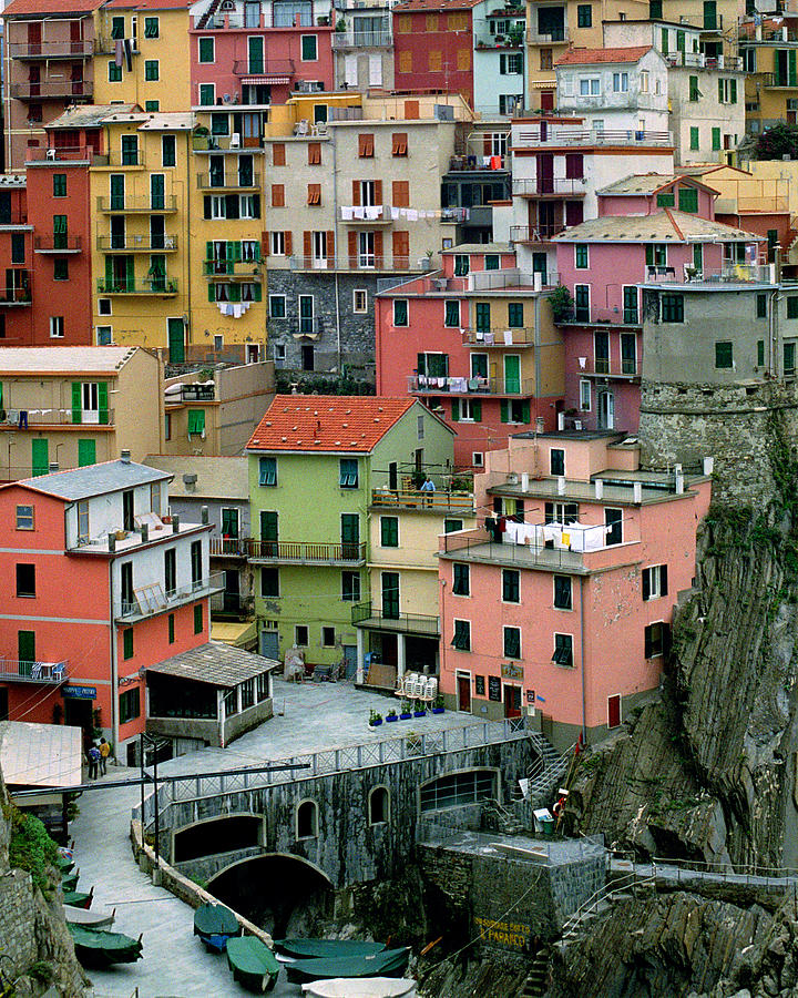 Manarola Photograph - Manarola Houses On The Cinque Terre by Greg Matchick