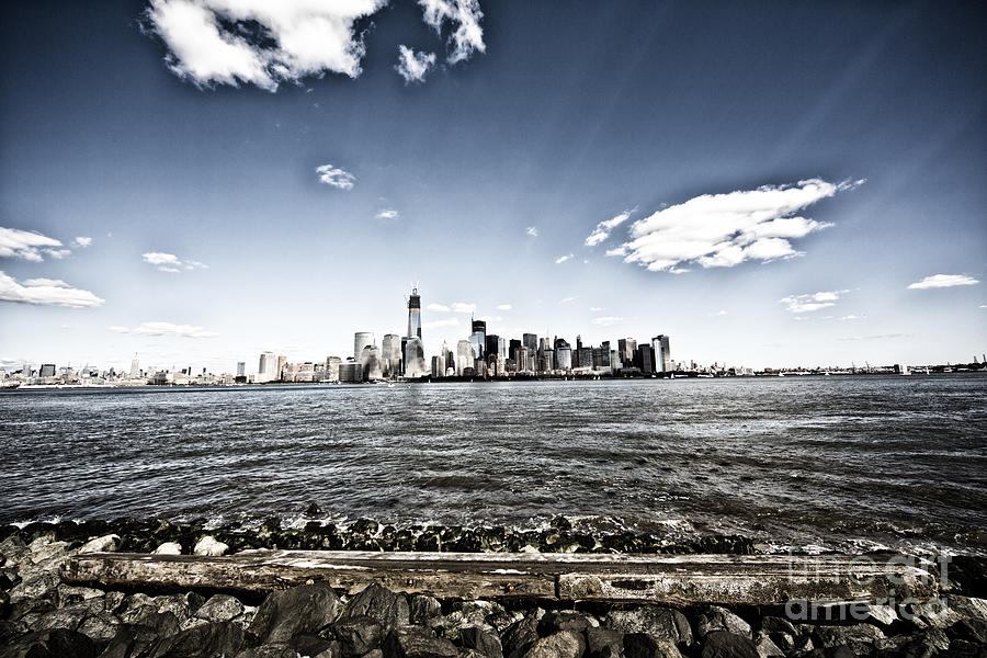 New York Photograph - Manhattan by Leslie Leda