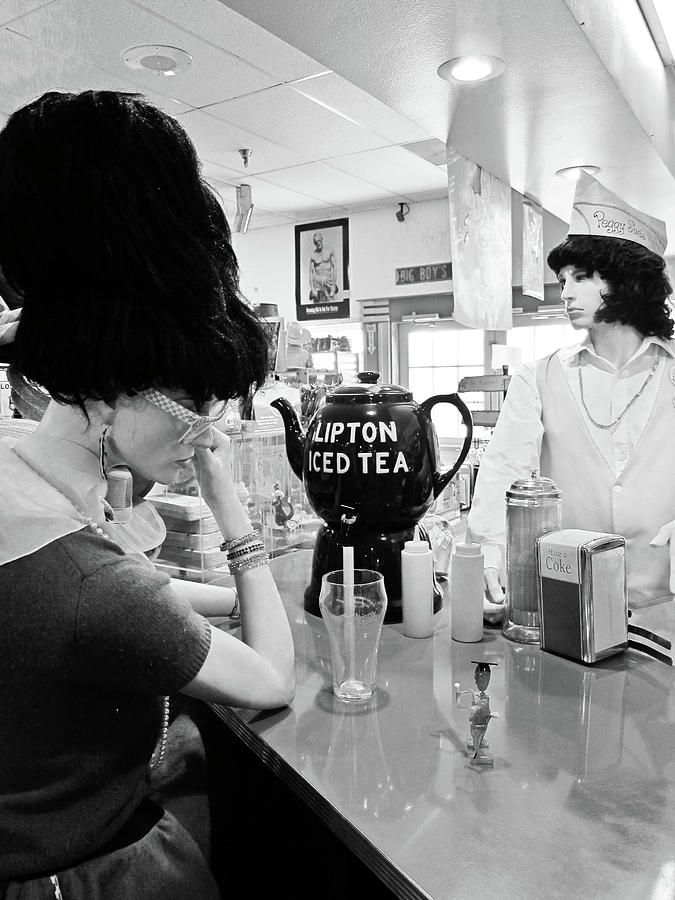 Peggy Sues 50's Diner Photograph - Mannequins At Peggy Sues 50s Diner by Julie Niemela