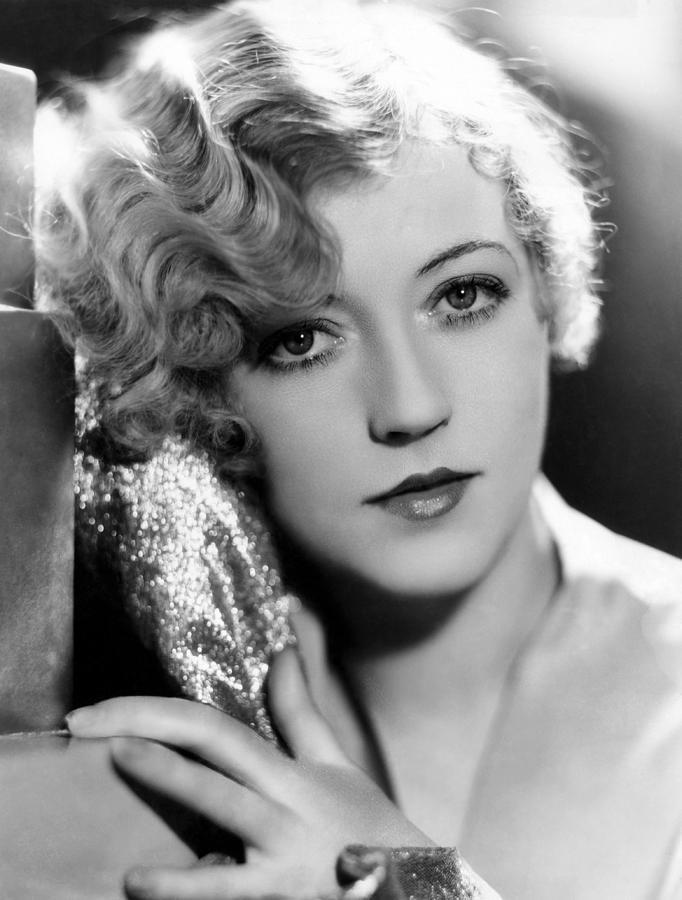 1920s Portraits Photograph - Marion Davies, 1928 by Everett