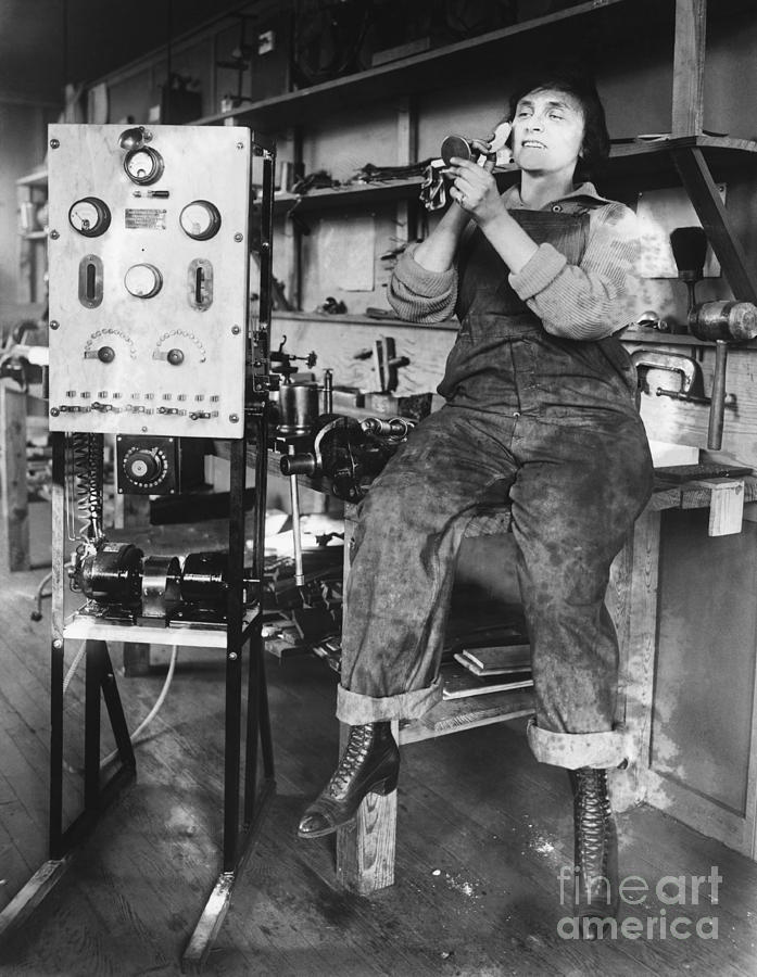 Historical Photograph - Mary Loomis, Radio School Operator by Science Source