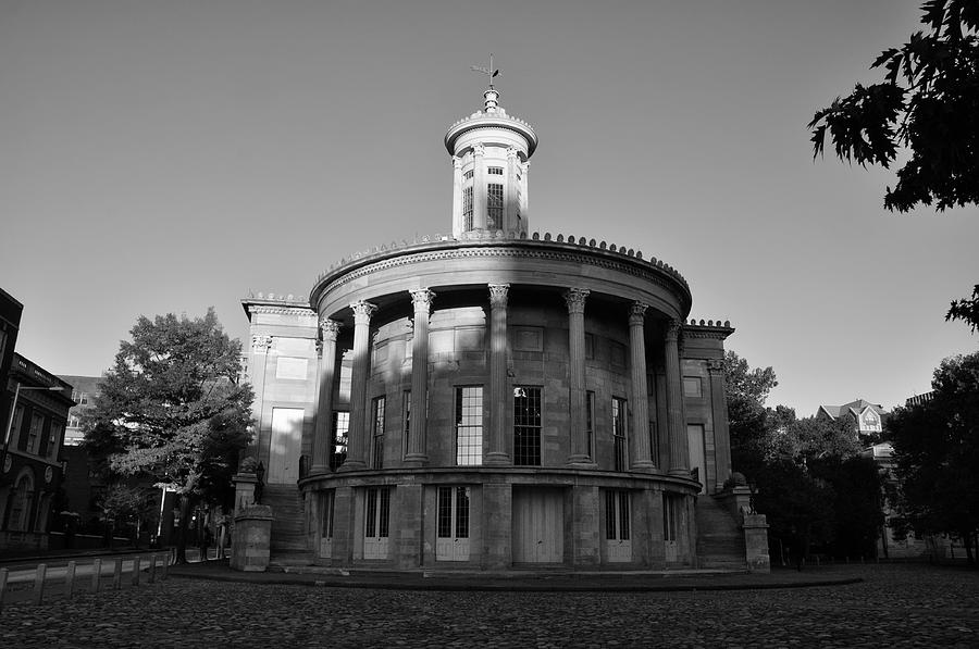 Building Photograph - Merchant Exchange Building - Philadelphia In Black And White by Bill Cannon