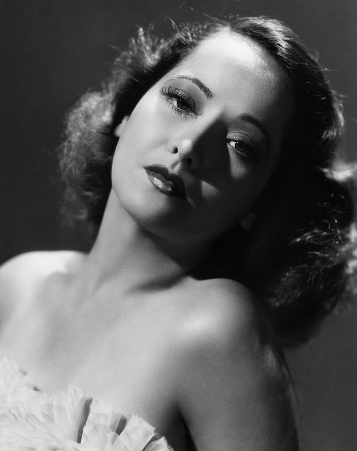 Glamour Photograph - Merle Oberon, Ca. 1930s by Everett
