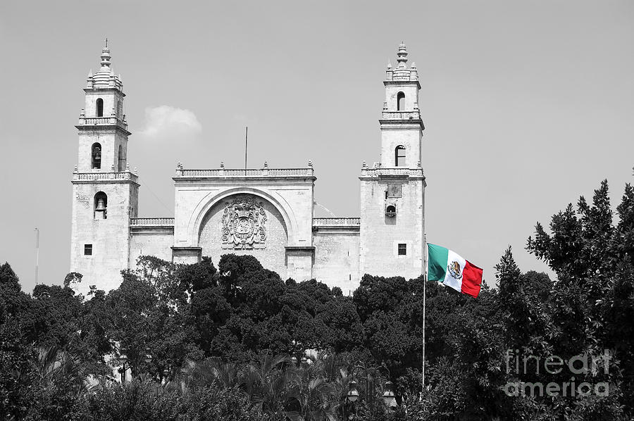 mexico flag on merida cathedral san ildefonso town square. Black Bedroom Furniture Sets. Home Design Ideas