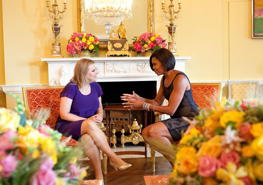 History Photograph - Michelle Obama Has Tea With Sara by Everett