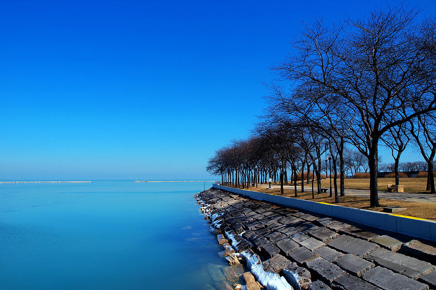 Chicago Photograph - Michigan Lakeshore In Chicago by Paul Ge
