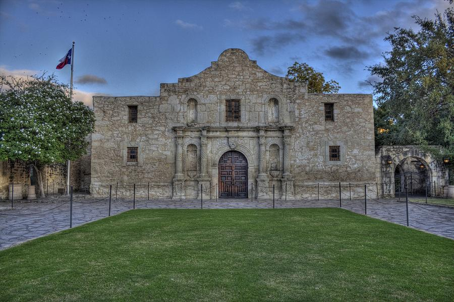Mission San Antonio De Valero The Alamo Photograph By