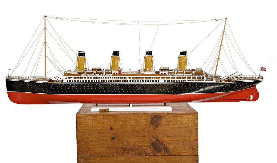 model of the Titanic Sculpture by Louis Nanette