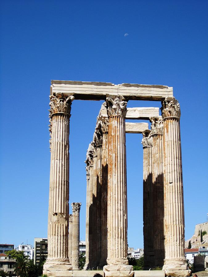 moon over corinthian columns of the temple of olympian zeus ancient