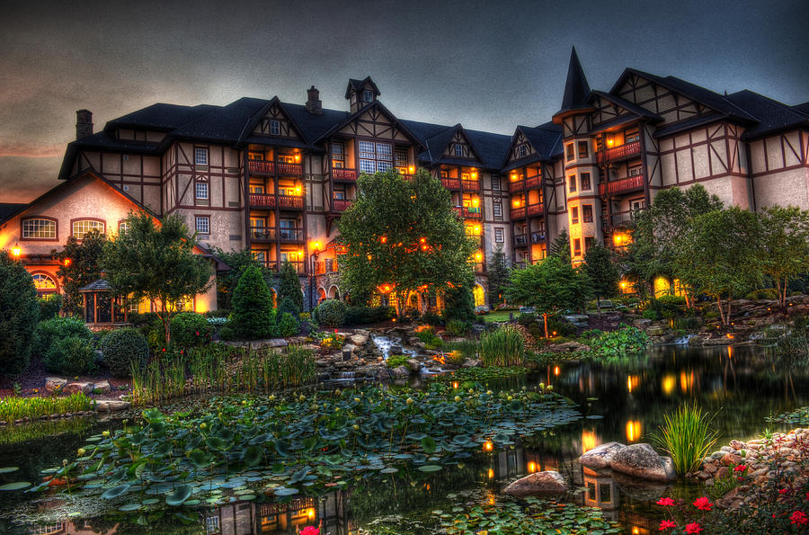 The Inn At Christmas Place Photograph - Morning Beauty by Greg and Chrystal Mimbs