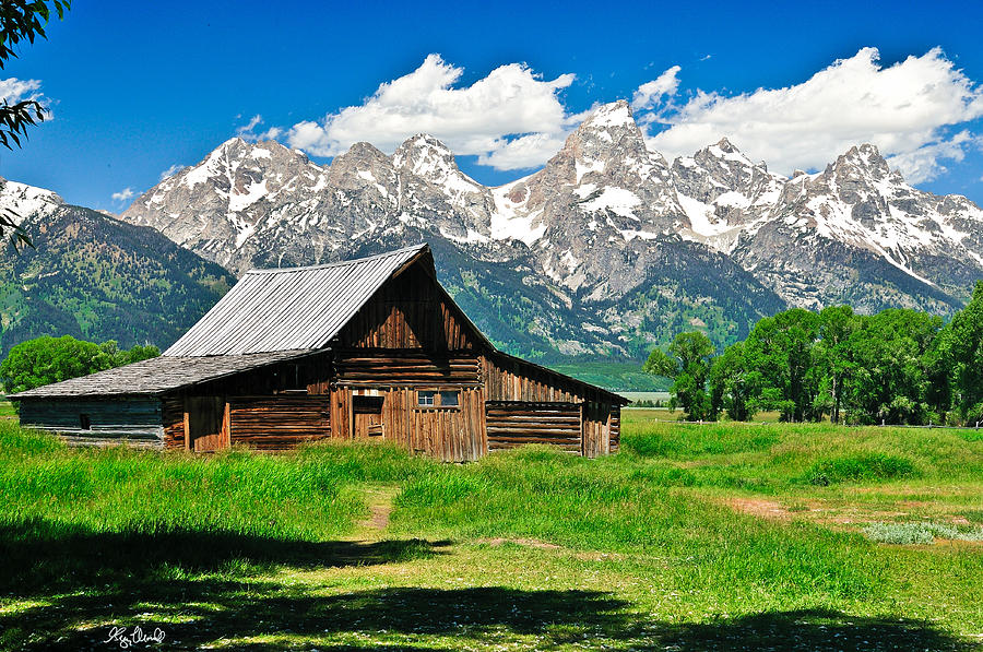 Grand Teton National Park Photograph - Moulton Barn Le by Greg Norrell