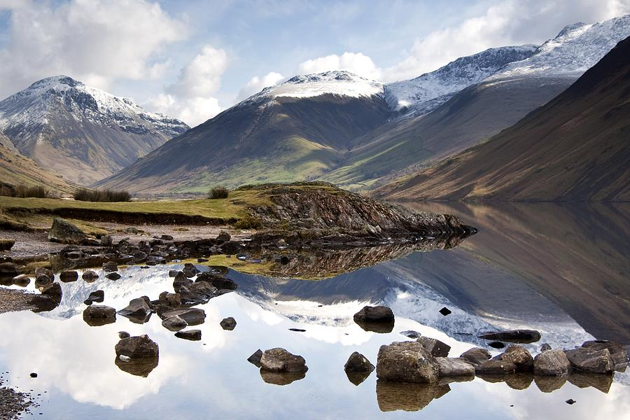 Cumbria Photograph - Mountains And Lake At Lake District by John Short
