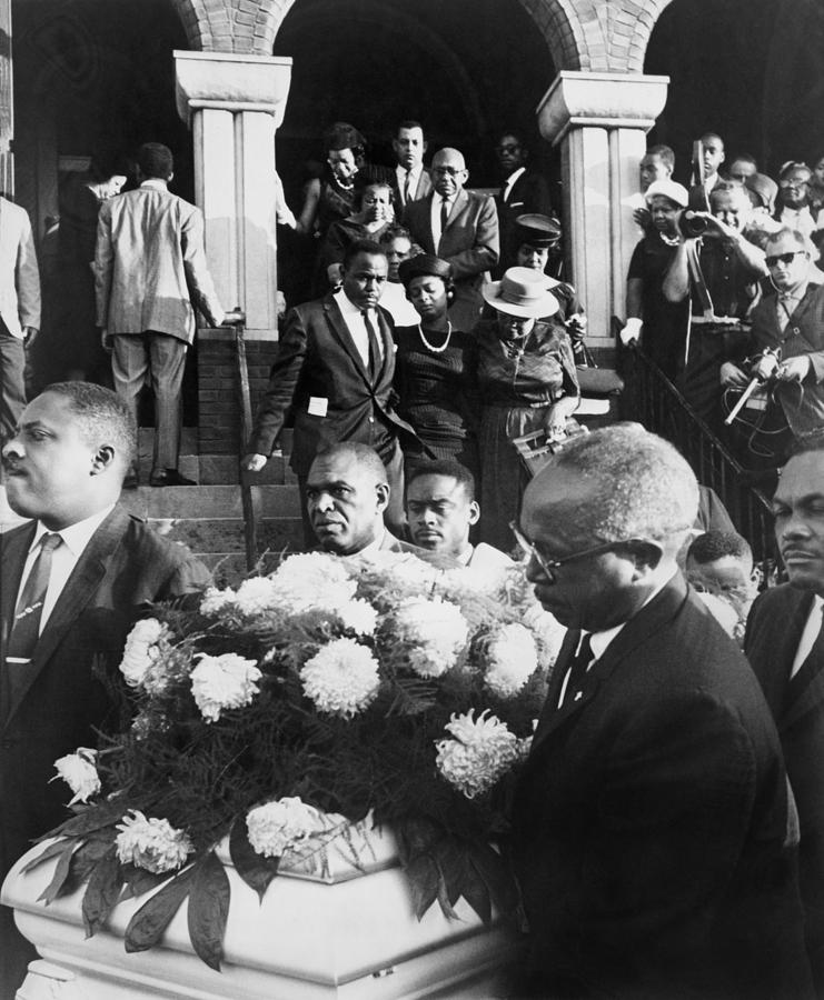 History Photograph - Mourning Family Of One Of The Four by Everett