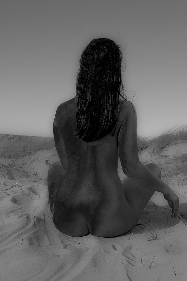 Nude Beach Women Photograph - Muchacha De Espaldas by Jose Francisco Arias
