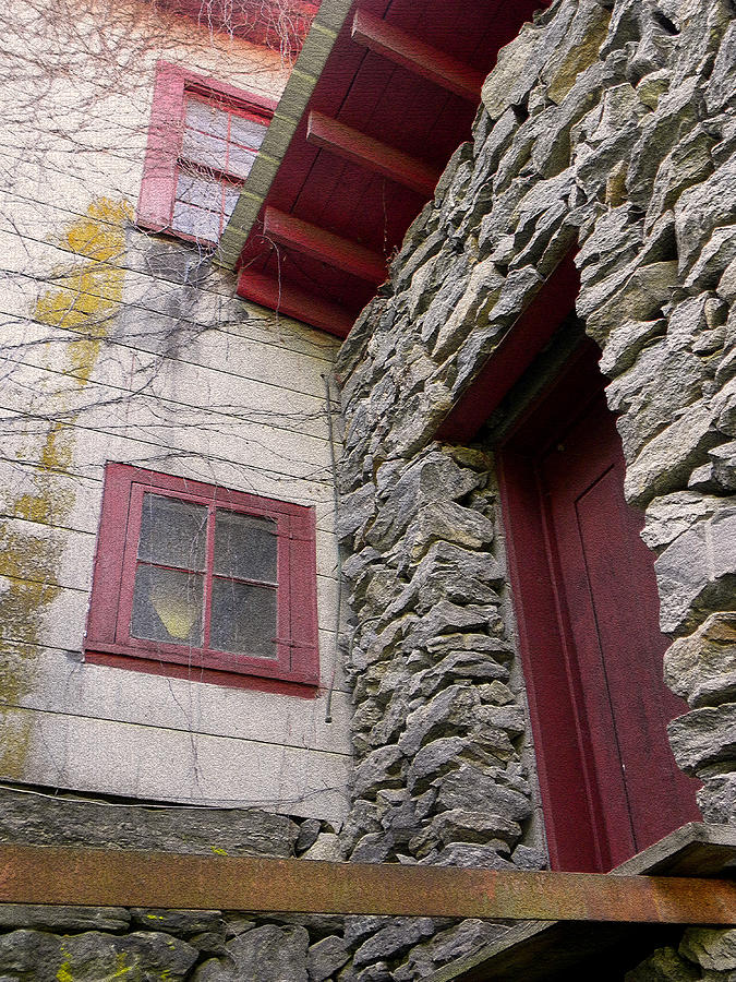 Old Mill Of Guilford Photograph - Mystery Of The Red Door by Sandi OReilly