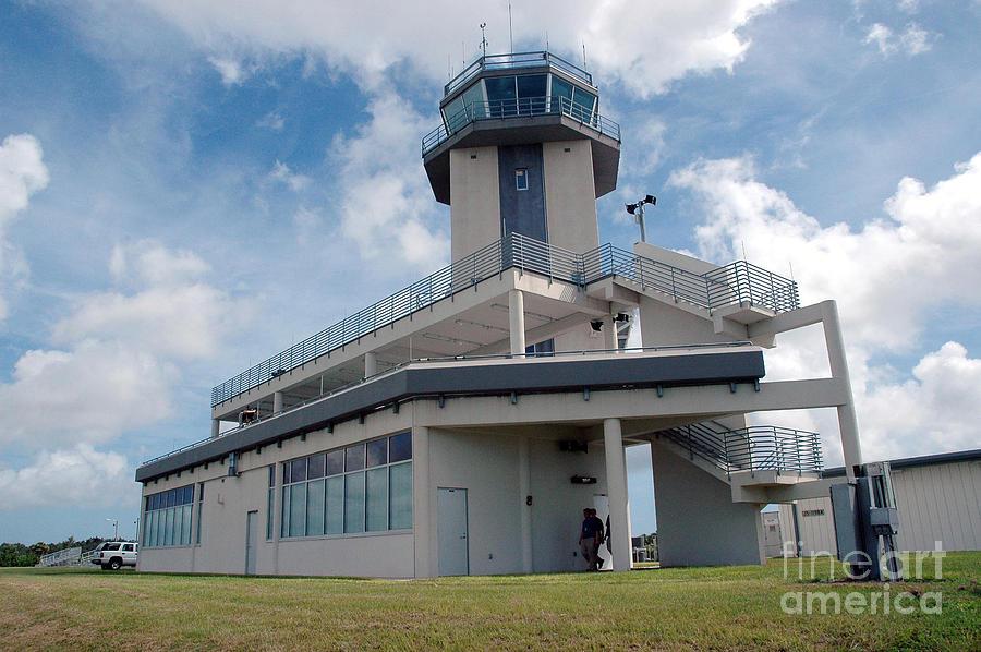 Air Traffic Control Tower Photograph - Nasa Air Traffic Control Tower by Nasa
