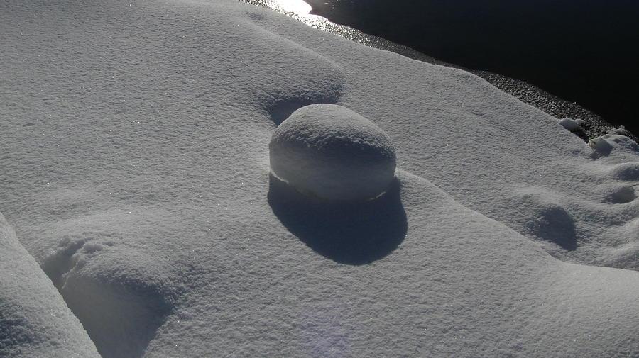 Snow Pyrography - Natural Snowball by Waldemar Okon