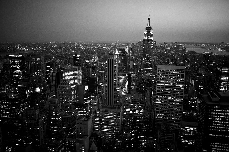 new york black night photograph by toni vilches