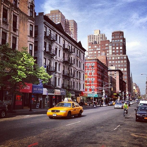 New York Taxi Street City Canvas Wall Art Picture Print Va: New York City Street Scene On A Beautiful Day Photograph