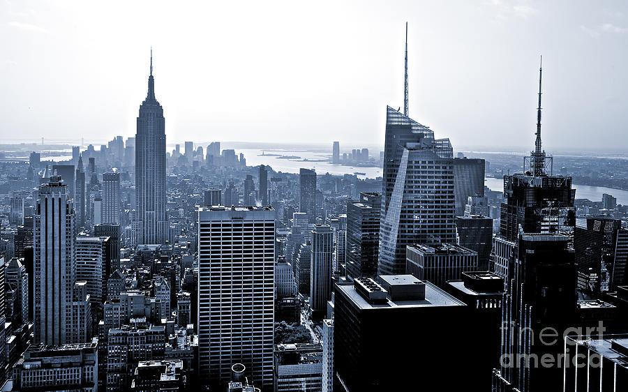 2010 Photograph - New York Skyline by Thomas Splietker