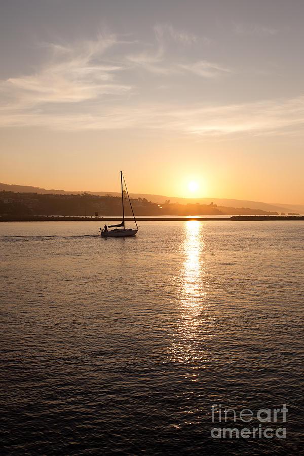 Bay Photograph - Newport Bay Corona Del Mar Sunrise by Paul Velgos