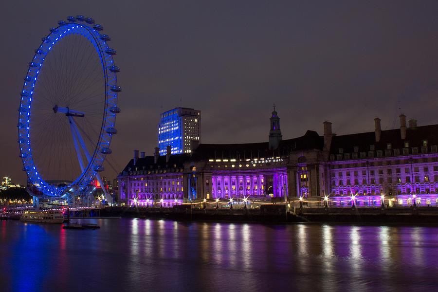 London Photograph - Night Eye by Kevin Bates