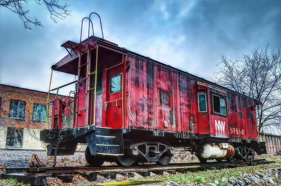 Caboose Photograph - Norfolk Western Caboose by Steve Hurt