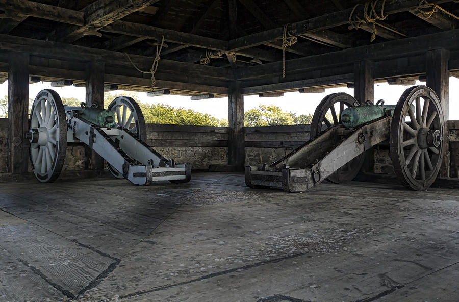 Old Fort Niagara Photograph - North Redoubt Cannons by Peter Chilelli