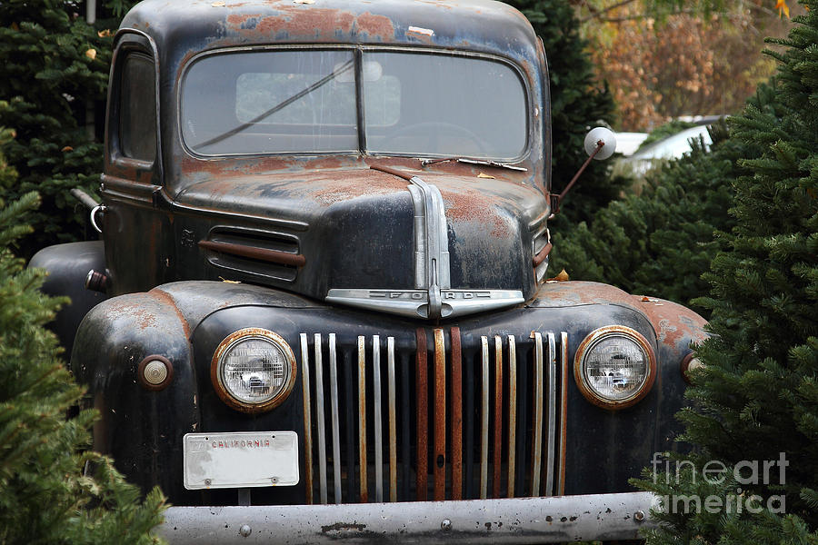 Transportation Photograph - Nostalgic Rusty Old Ford Truck . 7d10280 by Wingsdomain Art and Photography