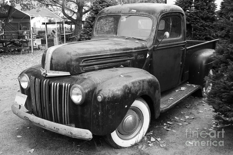 Nostalgic Rusty Old Truck . Bw . 7d10270 Photograph by Wingsdomain ...