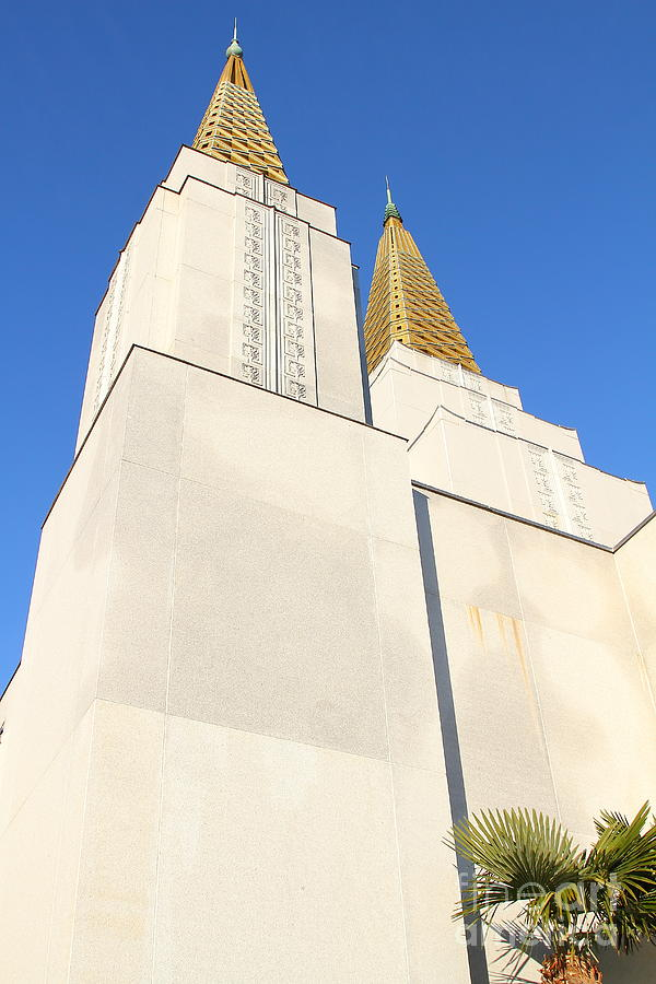 Bayarea Photograph - Oakland California Temple . The Church Of Jesus Christ Of Latter-day Saints . 7d11345 by Wingsdomain Art and Photography