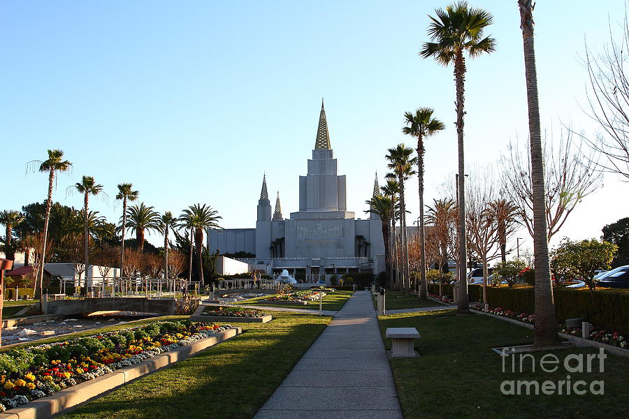Bayarea Photograph - Oakland California Temple . The Church Of Jesus Christ Of Latter-day Saints . 7d11371 by Wingsdomain Art and Photography