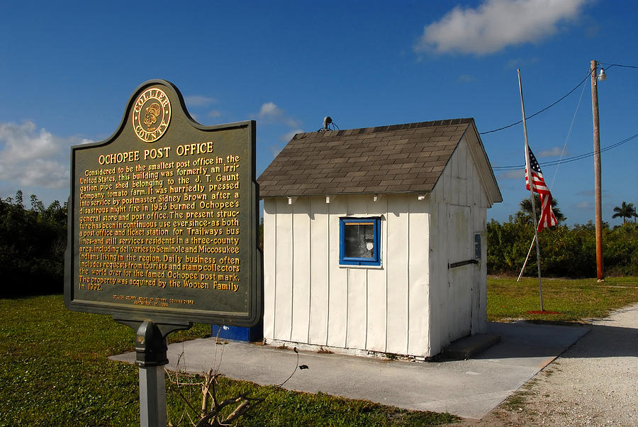 Everglades Photograph - Ochopee Post Office by David Lee Thompson