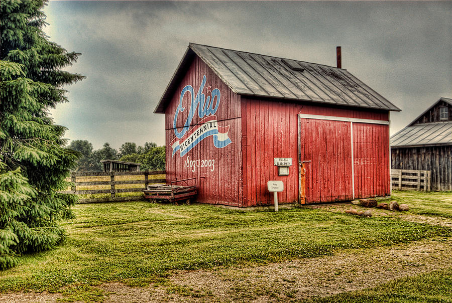 Red Barns Photograph - Ohio Barn by Mary Timman