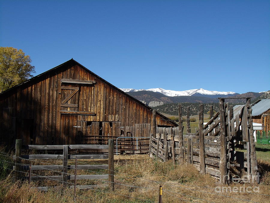 Sangre De Cristo Mountains Photograph - Old Colorado Barn by Donna Parlow