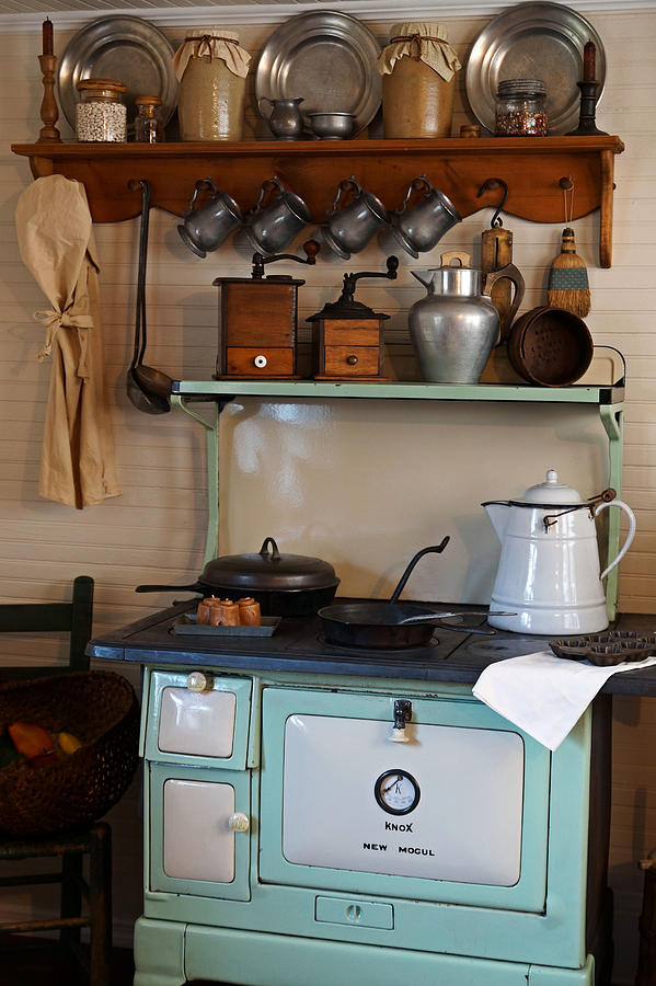 Antiques Photograph - Old Cook Stove by Carmen Del Valle