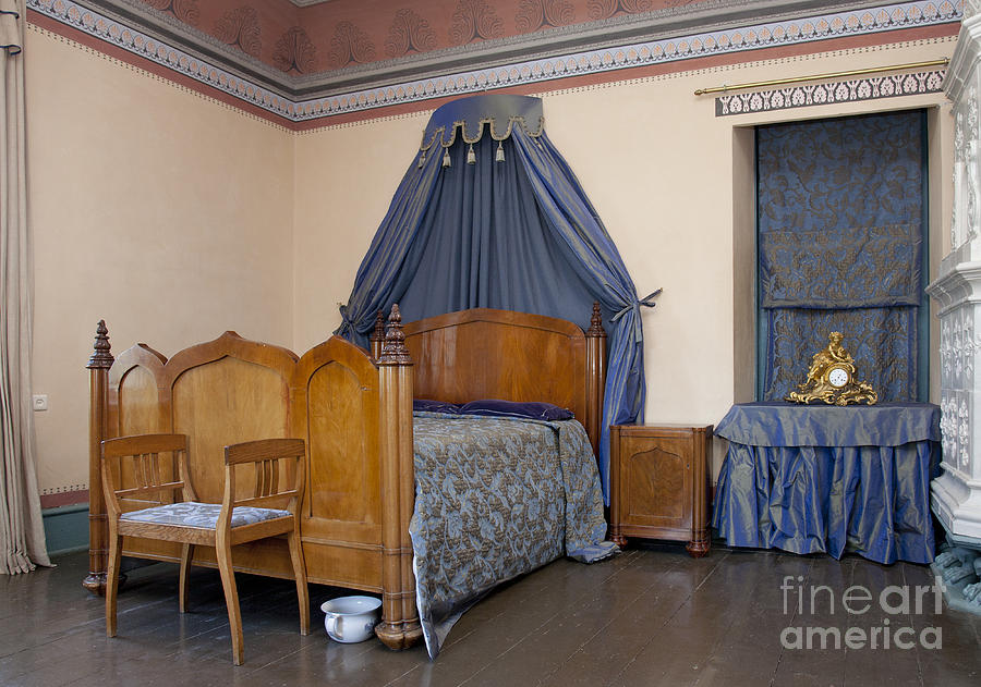 Bed Photograph   Old Fashioned Manor Bedroom By Jaak Nilson