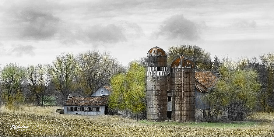 Farm Photograph - Old Minnesota Farmstead by Don Anderson