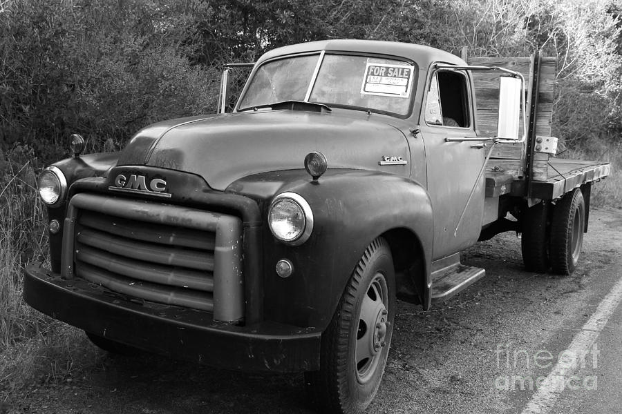 Black And White Photograph - Old Nostalgic American Gmc Flatbed Truck . 7d9821 . Black And White by Wingsdomain Art and Photography