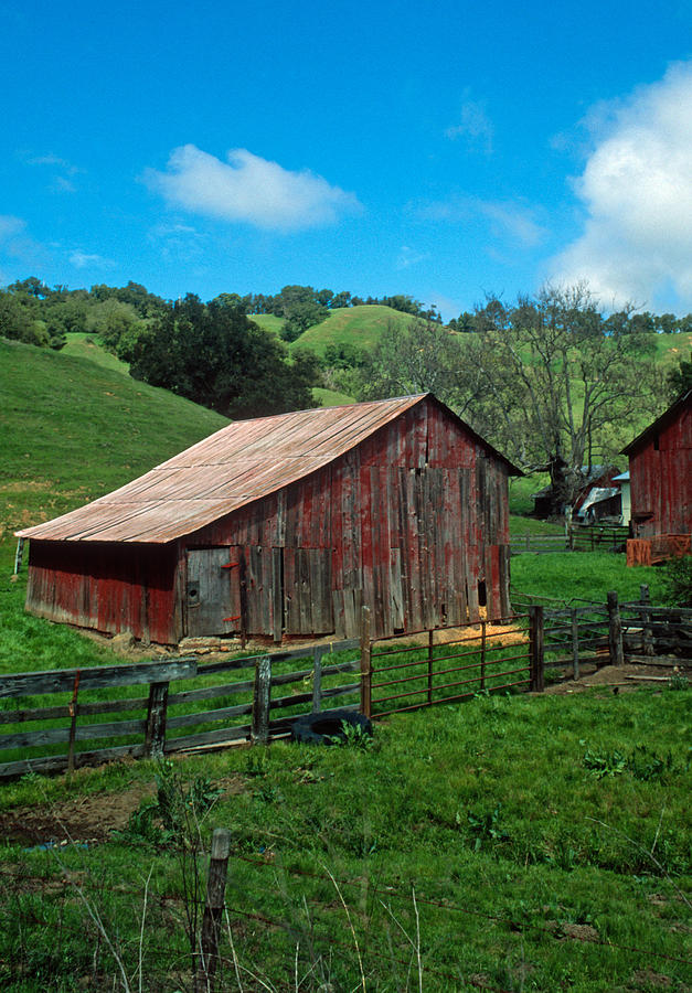 Landscapes Photograph - Old Red Barn by Kathy Yates