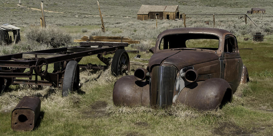 Bodie Photograph - Old Rusted Car by Richard Balison