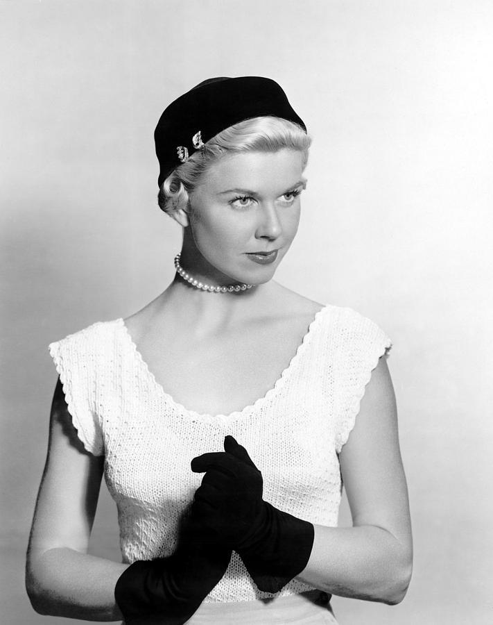 1951 Movies Photograph - On Moonlight Bay, Doris Day, 1951 by Everett