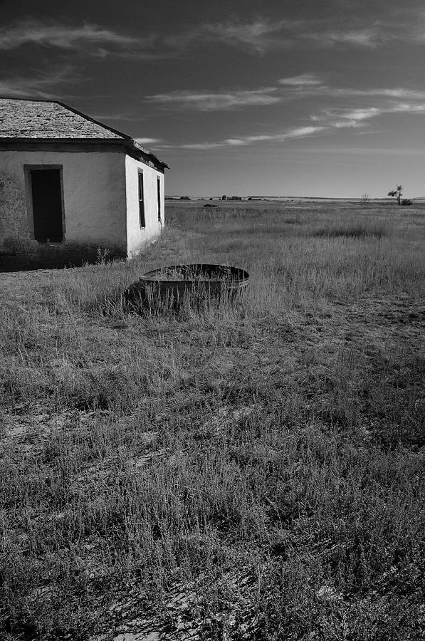 Plains Photograph - On The Hi-lo Plains by Ron Cline