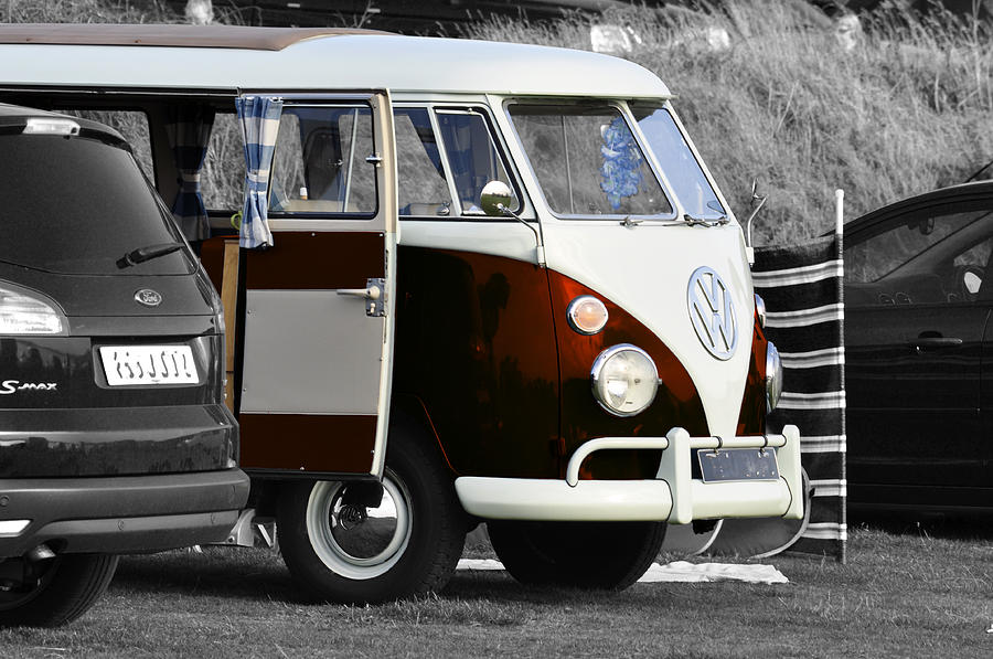 Shiny Photograph - Orange Vw Camper by Paul Howarth