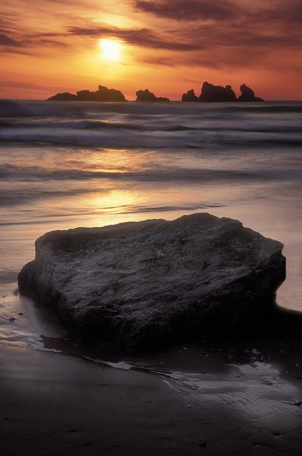 Bandon Beach Photograph - Oregon Sunset by Dave Mills