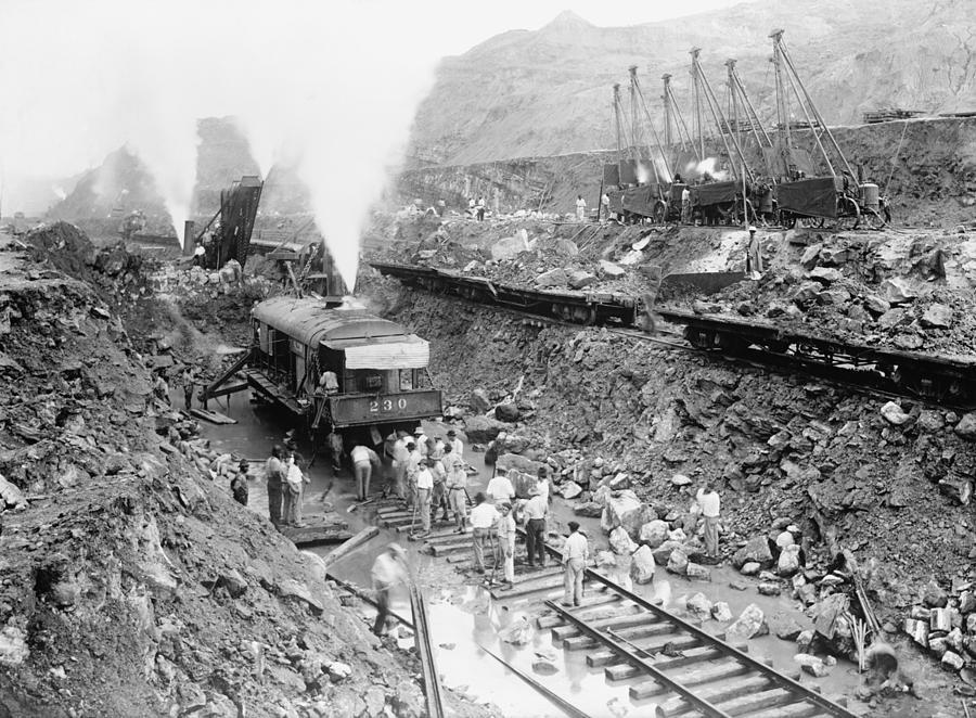 History Photograph - Panama Canal Construction Cutting by Everett