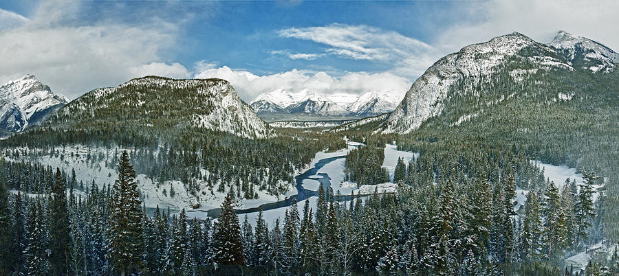 Panoramic view of Banff Springs Valley by Levin Rodriguez