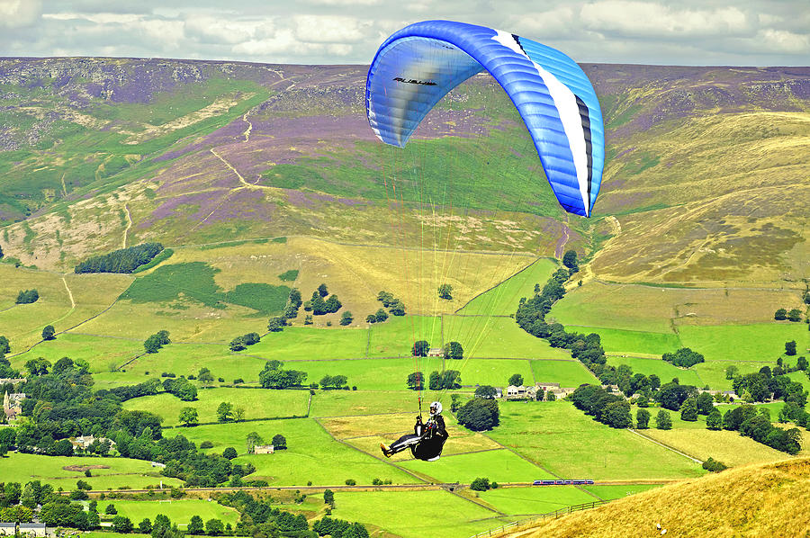 Derbyshire Photograph - Paragliding Off Mam Tor 01 by Rod Johnson